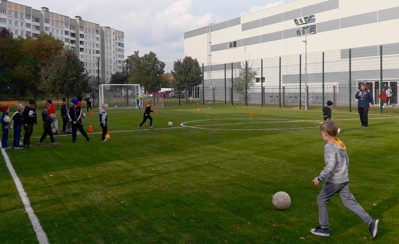 Объявляем набор юных футболистов